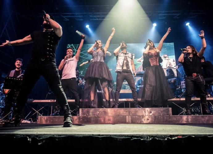 Queen-at-the-Opera-copertina