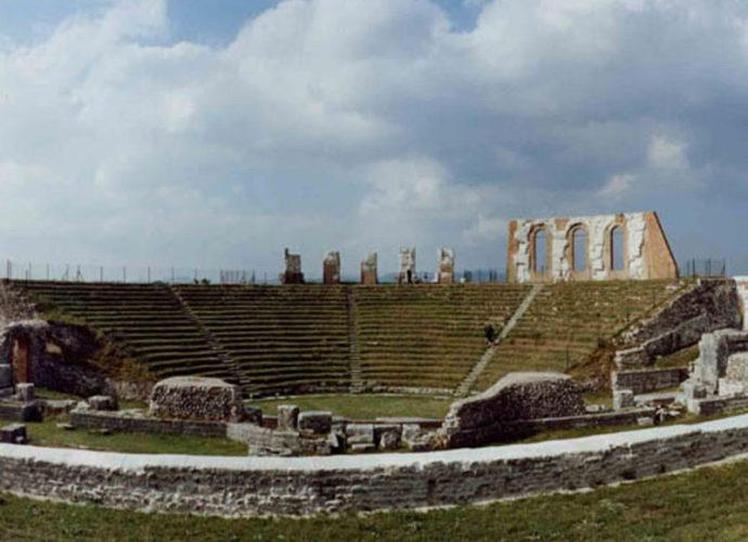 Teatro-Romano-Gubbio-copertina