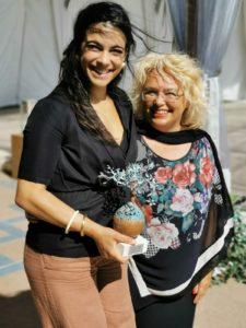 L'attrice Ester Pantano insieme alla presidente Donatella Cocchini