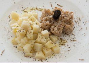 Insalata tiepida di farro, patate e tartufo